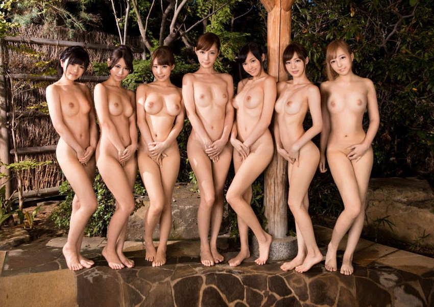 【集団ヌードエロ画像】ハーレムセックスしたくなる大量の美女達が全裸で誘惑してくれてる集団ヌードのエロ画像集!ww【80枚】 64