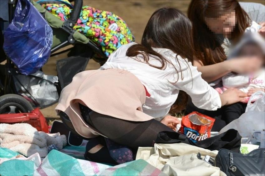 【短パンパンチラエロ画像】オシャレ女子がを開いたらショートパンツの脇からガチパンティーが見えちゃってる短パンパンチラのエロ画像集!ww【80枚】 05