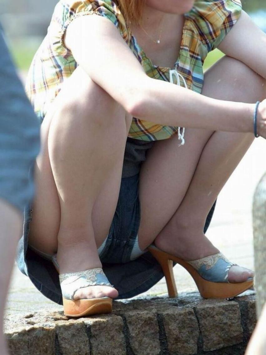 【短パンパンチラエロ画像】オシャレ女子がを開いたらショートパンツの脇からガチパンティーが見えちゃってる短パンパンチラのエロ画像集!ww【80枚】 68