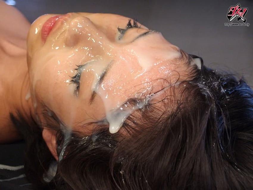 【ザーメンぶっかけエロ画像】大量の精子をドマゾ娘に顔射したりパイ射して全身ヌルヌルにさせてるザーメンぶっかけのエロ画像集!ww【80枚】 79