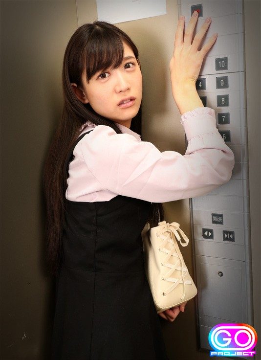 【エレベーターエロ画像】エレベーターが故障でストップしてJKやOLたちを痴漢レイプしちゃったエレベーターエロ画像集ww 31