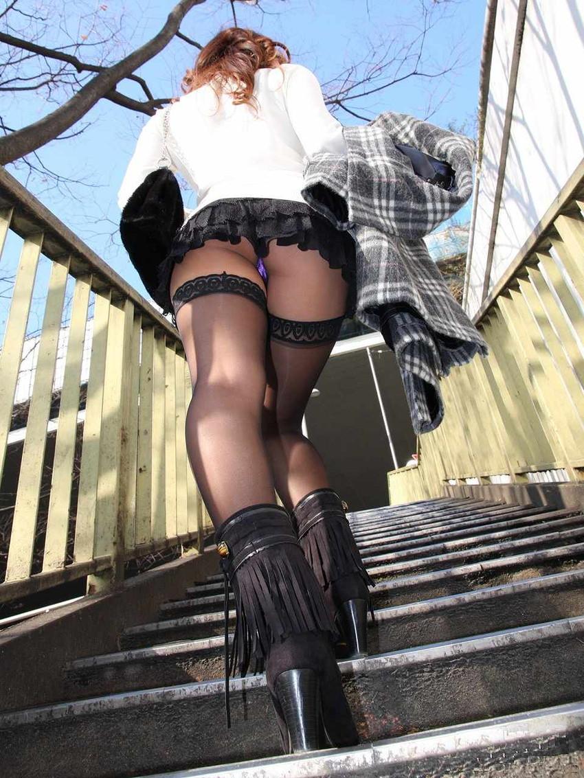 【階段パンチラエロ画像】素人女子の階段パンチラを盗撮する為にエレベーターは使わない!性欲解消と運動にもなる階段パンチラのエロ画像集!ww【80枚】 34