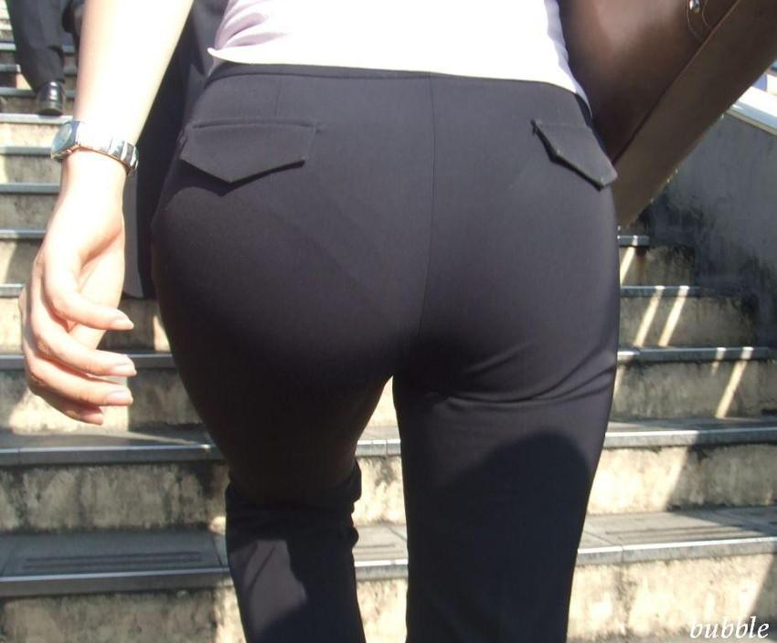 【パンツスーツOLエロ画像】パンツスーツOLのデカ尻から浮かび上がるパンティーラインが一番美しい!ww仕事や休憩中のOLのパン線を隠し撮りしたパンツスーツOLのエロ画像集!ww【80枚】