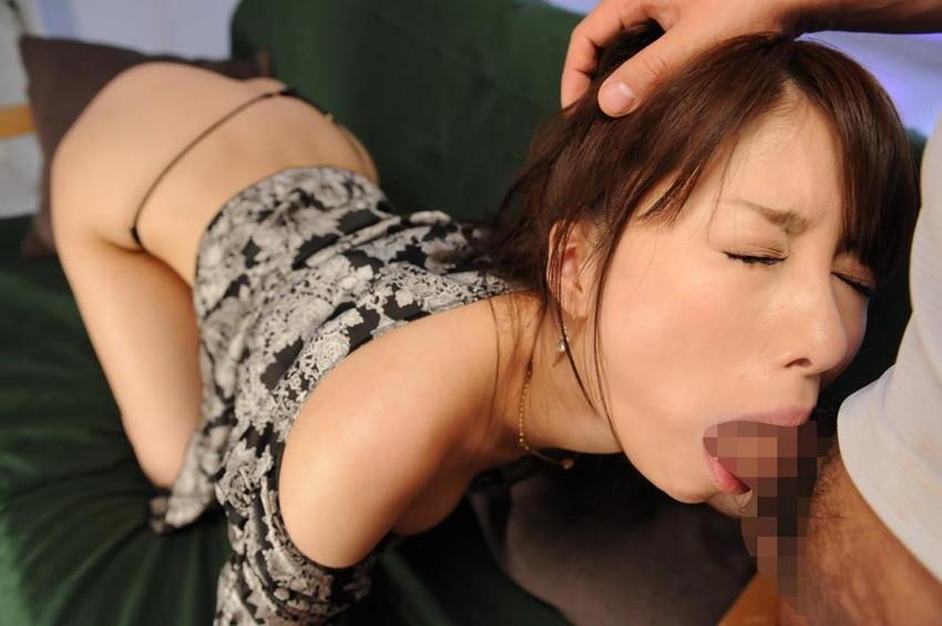 【ハードイラマチオエロ画像】巨根を口内にブチ込みおまんこ挿入以上のピストンで美女を窒息させてるハードイラマチオのエロ画像集!ww【80枚】 24