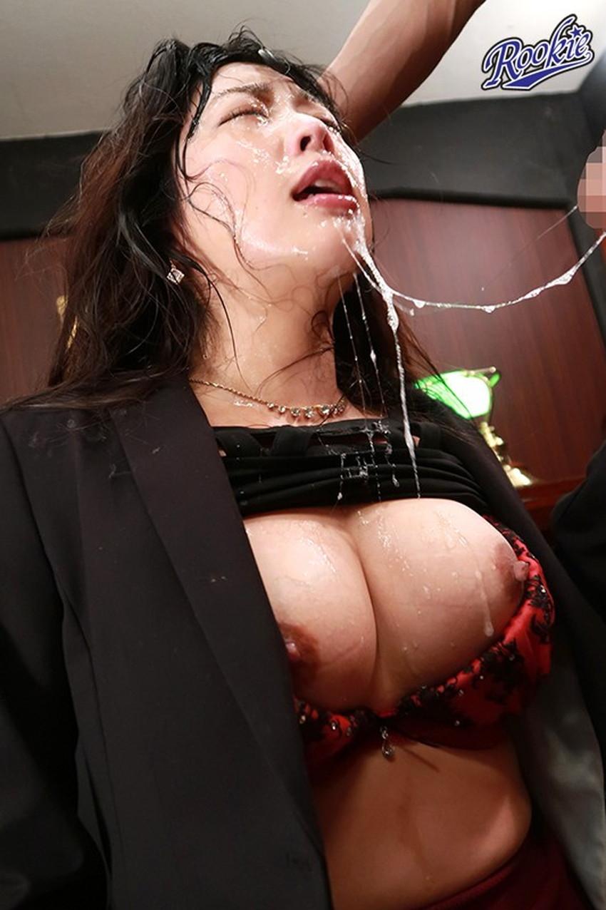 【ハードイラマチオエロ画像】巨根を口内にブチ込みおまんこ挿入以上のピストンで美女を窒息させてるハードイラマチオのエロ画像集!ww【80枚】 64