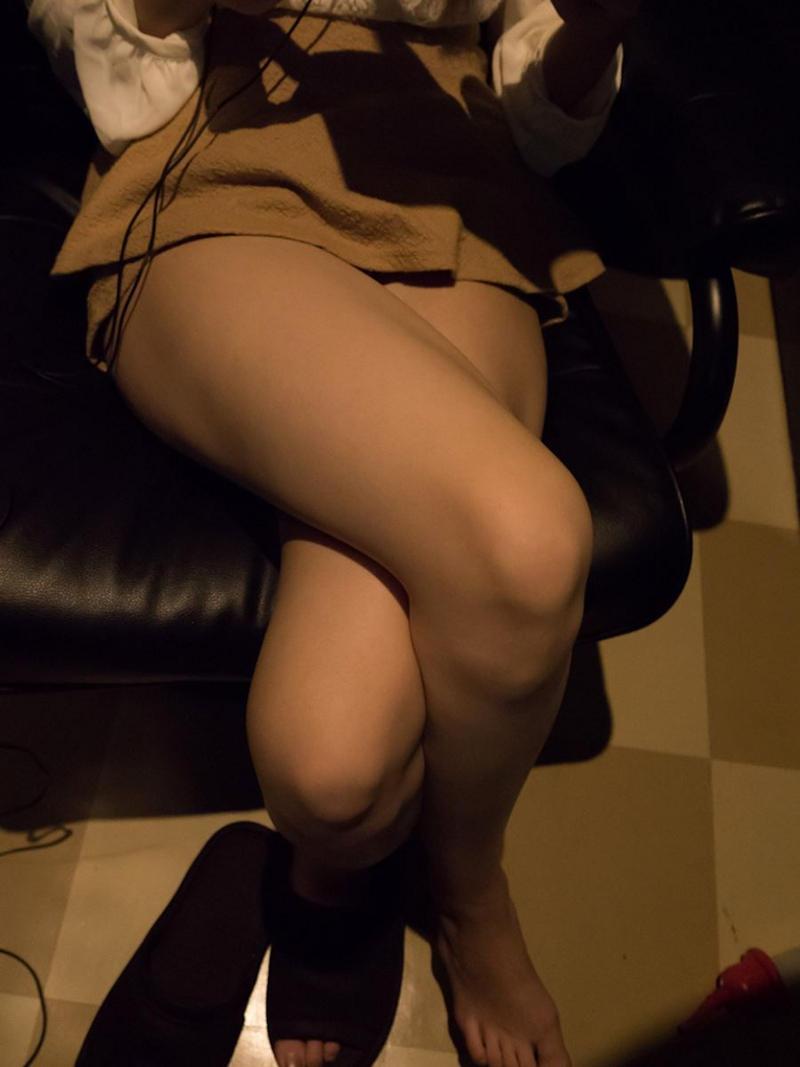 【マンガ喫茶エロ画像】狭いブースで隣に人がいるのにスリル満点のフェラや対面座位挿入でHしちゃってるマンガ喫茶のエロ画像集ww【80枚】 55