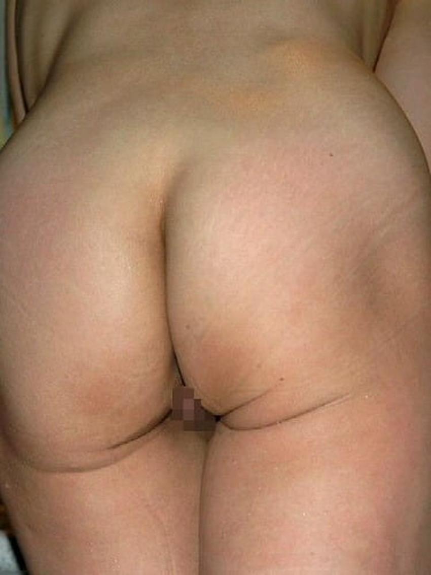 【デカ尻熟女エロ画像】パンティーを食い込ませるだらしない熟女のデカケツww四つん這いで顔面を突っ込み剛毛まんこをクンニしたくなるデカ尻熟女のエロ画像集ww!【80枚】 42