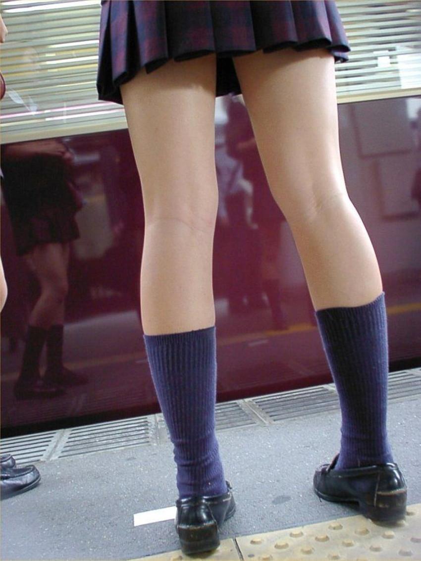 【ミニスカJKエロ画像】パンティー見えても動じない制服がミニスカ過ぎる神JKたちのパンチラをゲットしたミニスカJKのエロ画像集!ww【80枚】 34