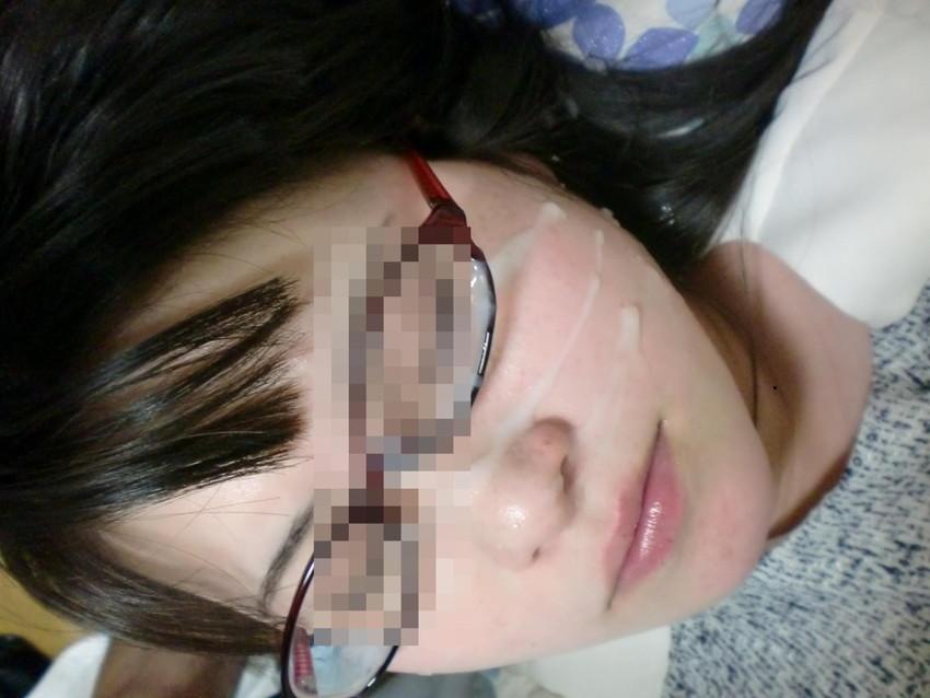 【メガネ人妻エロ画像】地味で真面目に見えるけど脱がせたら隠れ巨乳で他人棒と不倫するのが大好きなメガネ人妻のエロ画像集ww 29