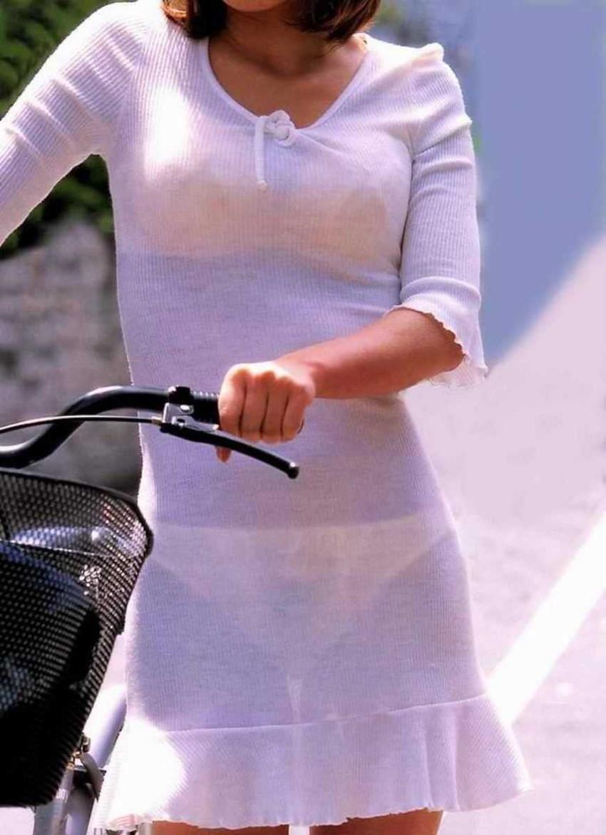【パン透けスカートエロ画像】パンティーラインが透けちゃうタイトミニやマキシワンピで無防備に歩く美女達のパン透けスカートのエロ画像集!ww【80枚】 25