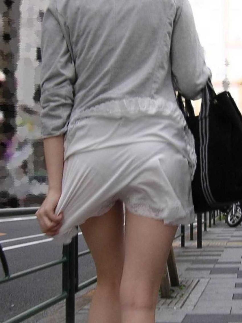 【パン透けスカートエロ画像】パンティーラインが透けちゃうタイトミニやマキシワンピで無防備に歩く美女達のパン透けスカートのエロ画像集!ww【80枚】 47