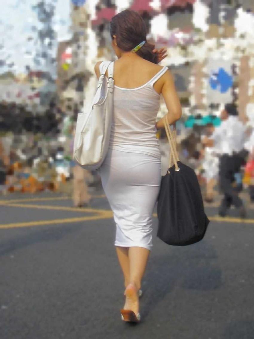 【パン透けスカートエロ画像】パンティーラインが透けちゃうタイトミニやマキシワンピで無防備に歩く美女達のパン透けスカートのエロ画像集!ww【80枚】 60