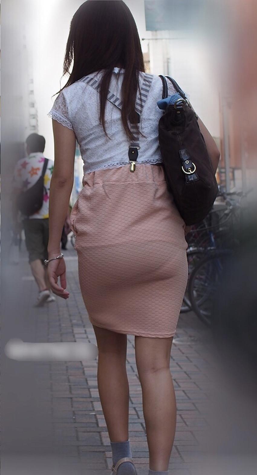 【パン透けスカートエロ画像】パンティーラインが透けちゃうタイトミニやマキシワンピで無防備に歩く美女達のパン透けスカートのエロ画像集!ww【80枚】 67