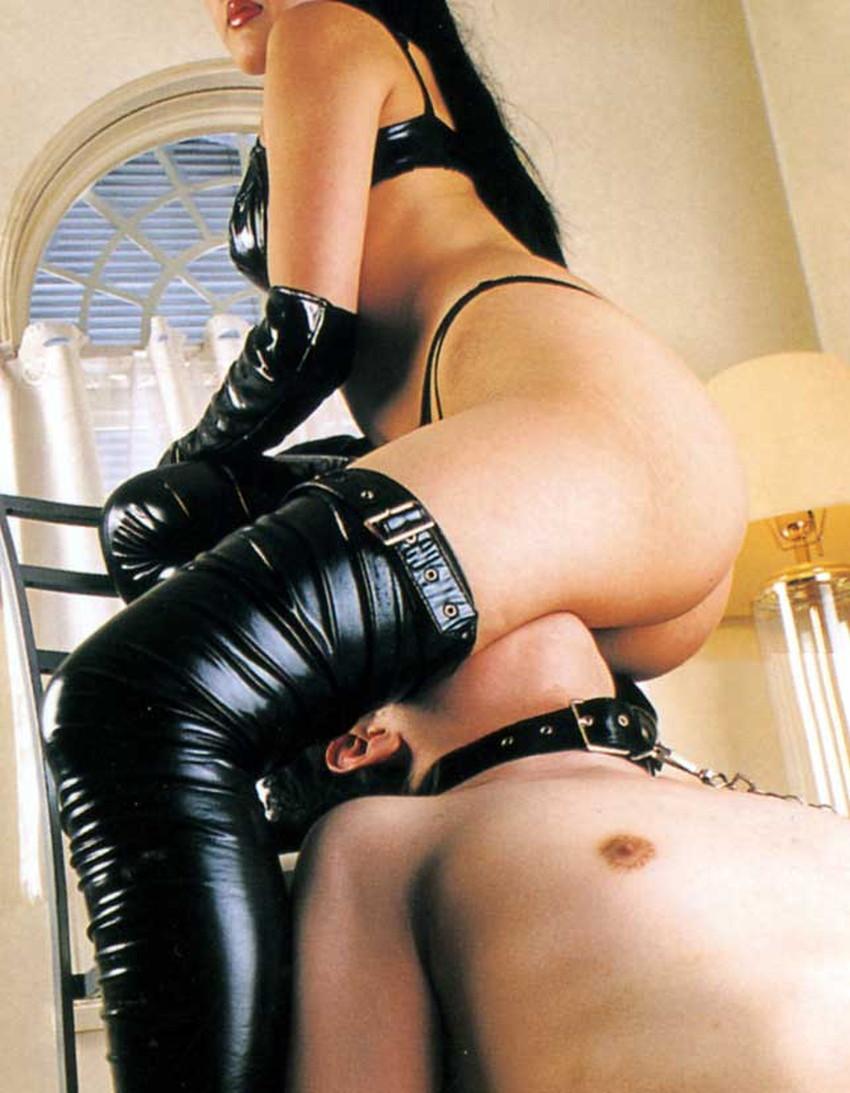 【SM女王様エロ画像】ブタと呼ばれたいM男にスパンキング調教しているボンテージコスを着たSM女王様のエロ画像集!!【80枚】 48