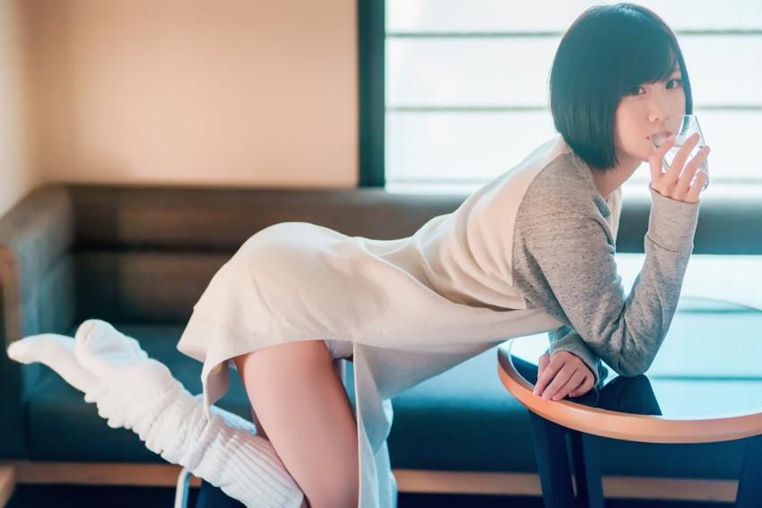 【スリットパンチラエロ画像】タイトスカートの美脚お姉さんのスリットから見えるパンチラが堪らないスリットパンチラのエロ画像集!w【80枚】 18