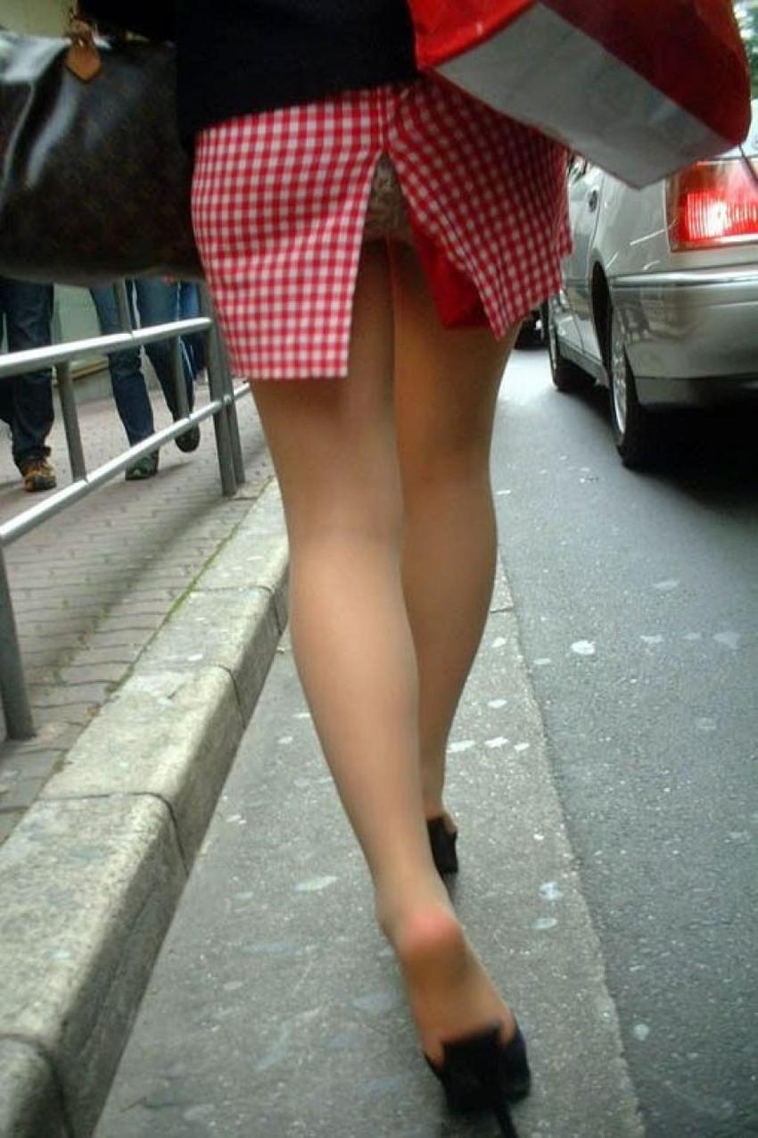 【スリットパンチラエロ画像】タイトスカートの美脚お姉さんのスリットから見えるパンチラが堪らないスリットパンチラのエロ画像集!w【80枚】 30