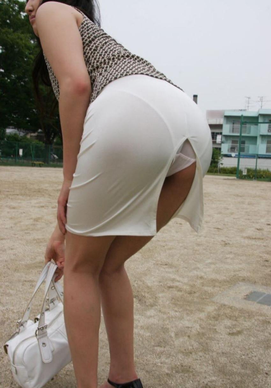 【スリットパンチラエロ画像】タイトスカートの美脚お姉さんのスリットから見えるパンチラが堪らないスリットパンチラのエロ画像集!w【80枚】 38