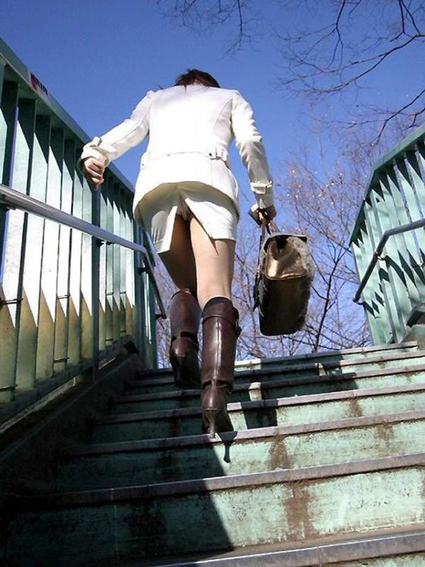 【スリットパンチラエロ画像】タイトスカートの美脚お姉さんのスリットから見えるパンチラが堪らないスリットパンチラのエロ画像集!w【80枚】 40