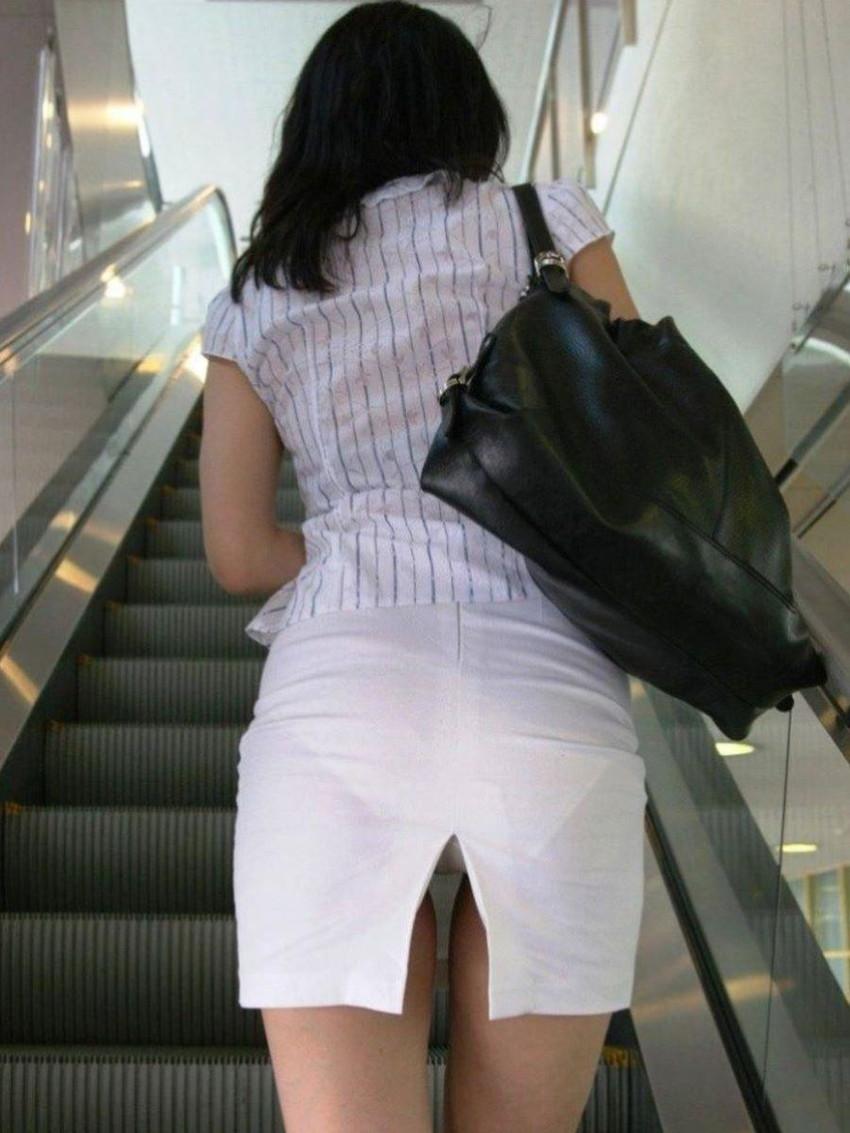 【スリットパンチラエロ画像】タイトスカートの美脚お姉さんのスリットから見えるパンチラが堪らないスリットパンチラのエロ画像集!w【80枚】 59