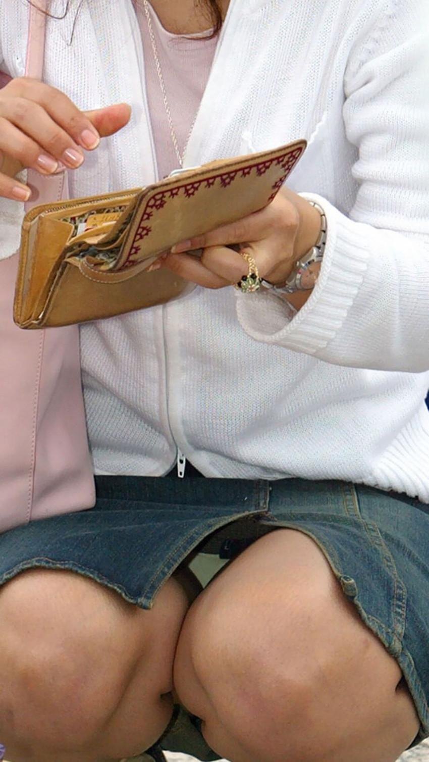 【スリットパンチラエロ画像】タイトスカートの美脚お姉さんのスリットから見えるパンチラが堪らないスリットパンチラのエロ画像集!w【80枚】 66