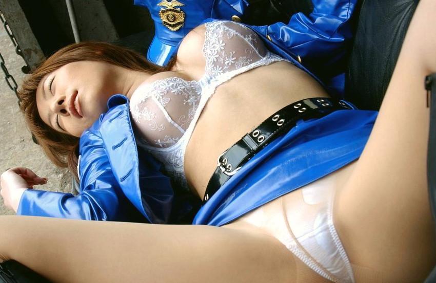 【ミニスカポリスエロ画像】わざと痴漢して手錠かけて逮捕されたいミニスカポリスのエロ画像集!ww【80枚】 26