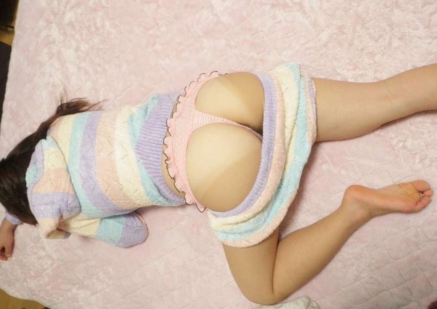 【毛糸のパンツエロ画像】手編み感のある温かそうな毛糸のパンツがパンチラしちゃった毛糸のパンツのエロ画像集!ww【80枚】 04