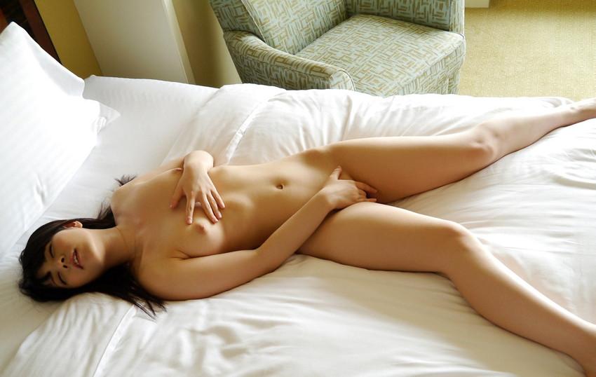 【指オナエロ画像】オナニー好き女子がクリを指先で転がしたり膣内に指挿入して痙攣アクメしてる指オナのエロ画像集!ww【80枚】 16