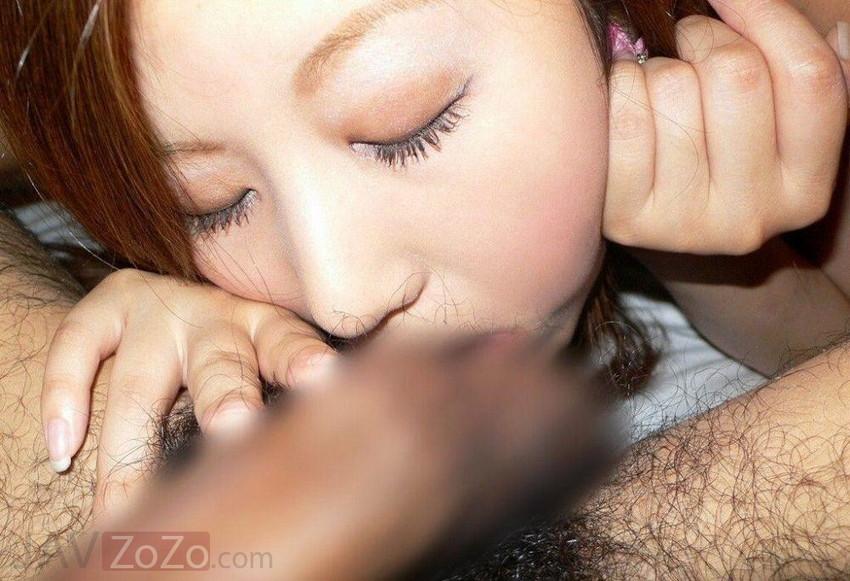 【睾丸吸いエロ画像】フェラが好き過ぎるビッチ玉袋を口に含んでびよ~んと伸ばしちゃってる睾丸吸いのエロ画像集!ww【80枚】 54