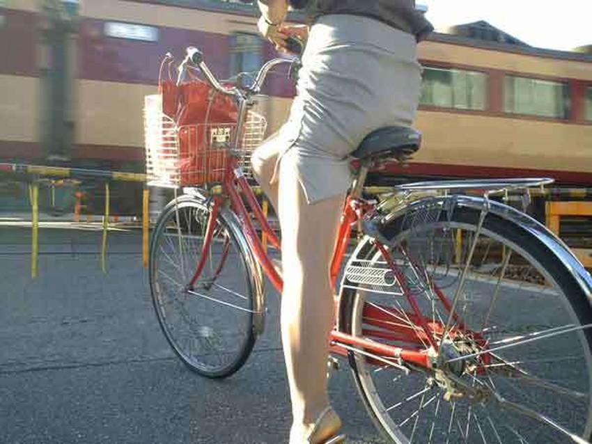 【自転車尻エロ画像】尻肉がサドルに食い込むチャリンコ女子をずっと見送っていられる自転車尻のエロ画像集!ww【80枚】 02