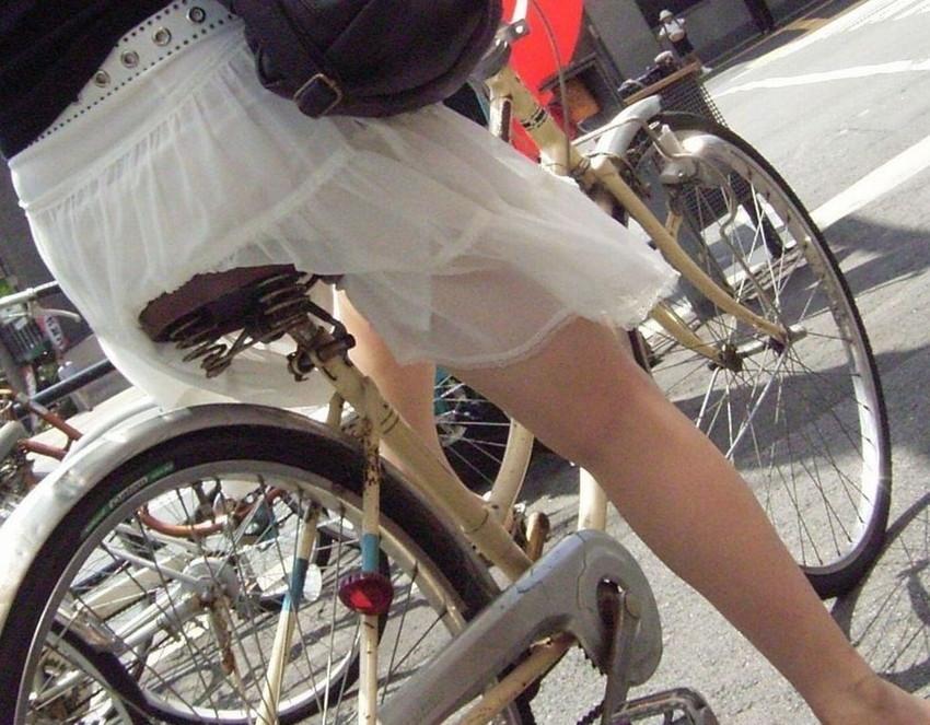 【自転車尻エロ画像】尻肉がサドルに食い込むチャリンコ女子をずっと見送っていられる自転車尻のエロ画像集!ww【80枚】 06