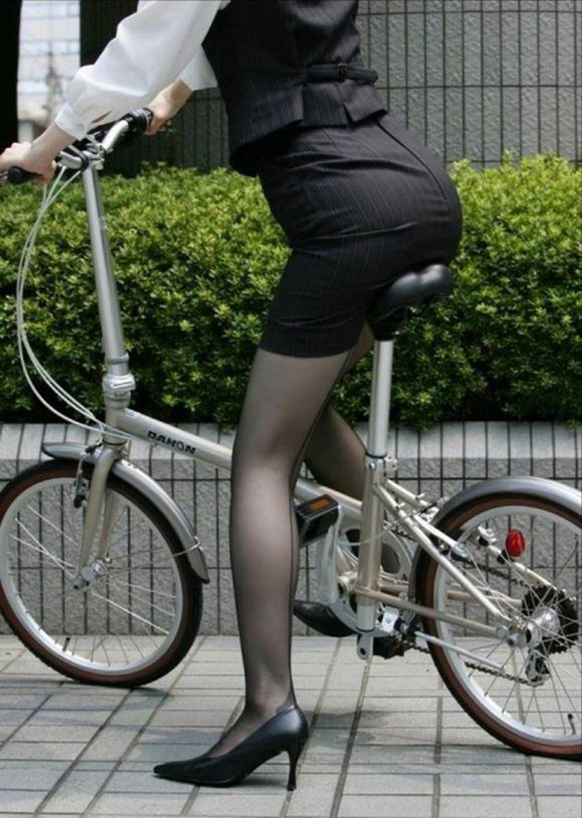 【自転車尻エロ画像】尻肉がサドルに食い込むチャリンコ女子をずっと見送っていられる自転車尻のエロ画像集!ww【80枚】 19