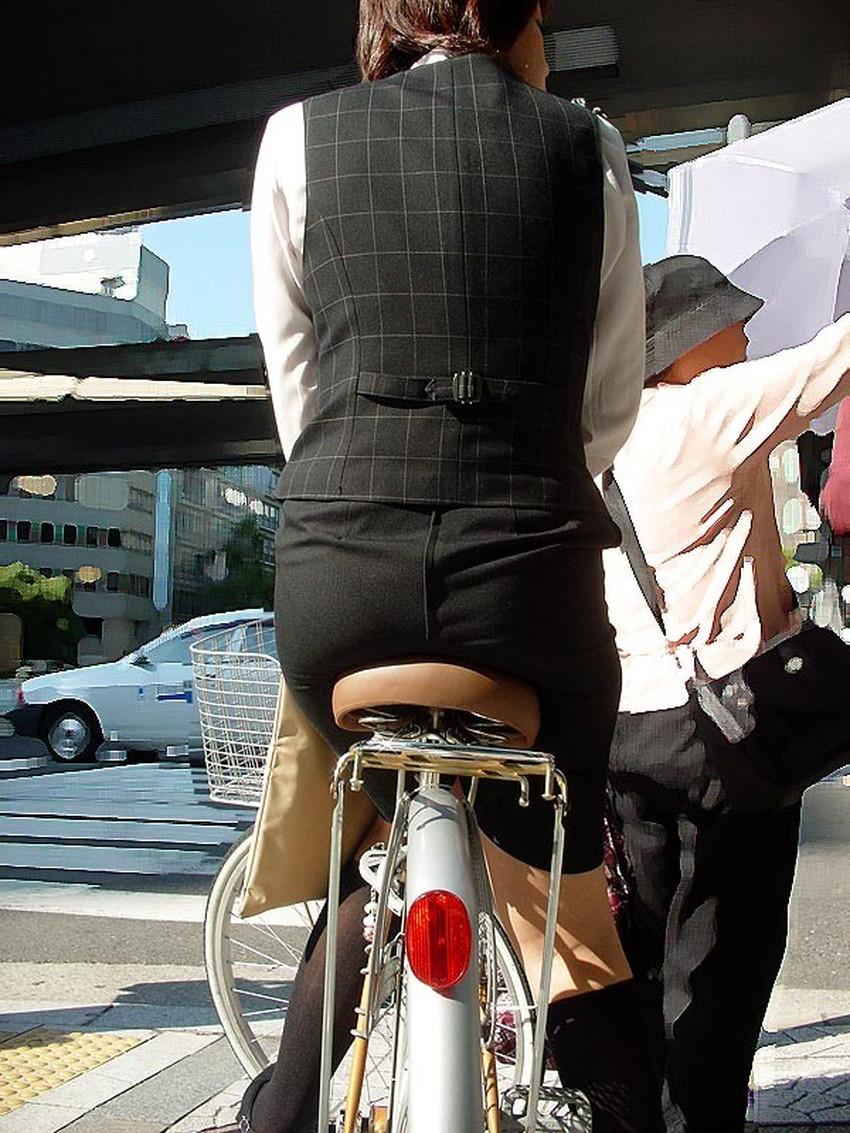 【自転車尻エロ画像】尻肉がサドルに食い込むチャリンコ女子をずっと見送っていられる自転車尻のエロ画像集!ww【80枚】 23