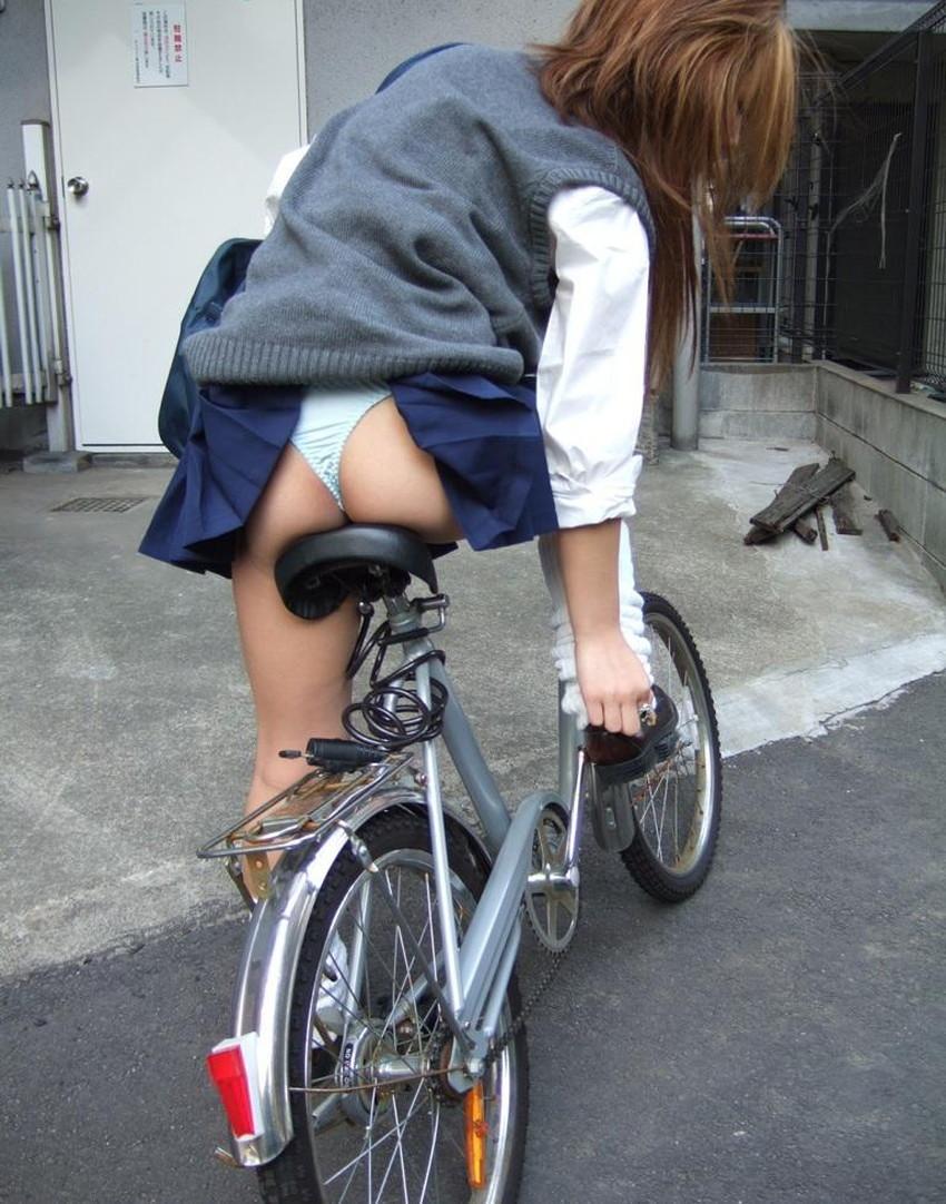 【自転車尻エロ画像】尻肉がサドルに食い込むチャリンコ女子をずっと見送っていられる自転車尻のエロ画像集!ww【80枚】 47