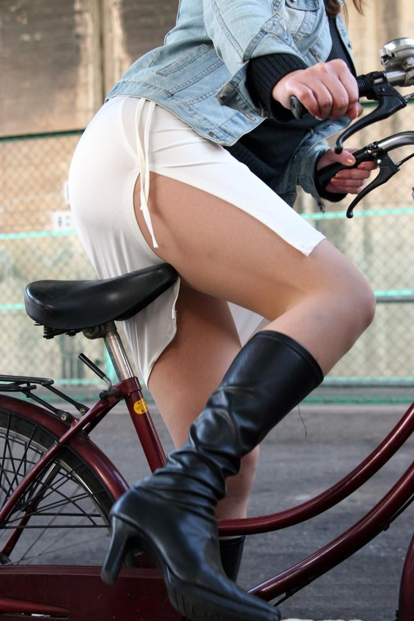 【自転車尻エロ画像】尻肉がサドルに食い込むチャリンコ女子をずっと見送っていられる自転車尻のエロ画像集!ww【80枚】 69