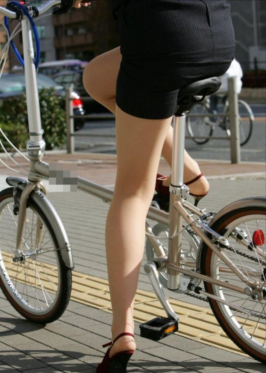 【自転車尻エロ画像】尻肉がサドルに食い込むチャリンコ女子をずっと見送っていられる自転車尻のエロ画像集!ww【80枚】 70