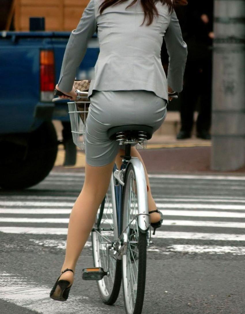 【自転車尻エロ画像】尻肉がサドルに食い込むチャリンコ女子をずっと見送っていられる自転車尻のエロ画像集!ww【80枚】 74