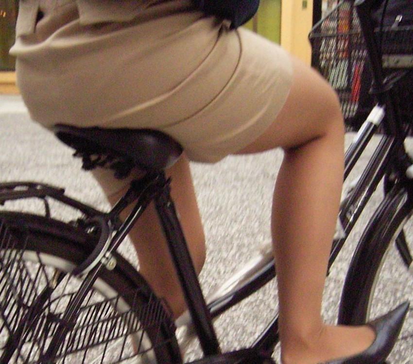 【自転車尻エロ画像】尻肉がサドルに食い込むチャリンコ女子をずっと見送っていられる自転車尻のエロ画像集!ww【80枚】 76