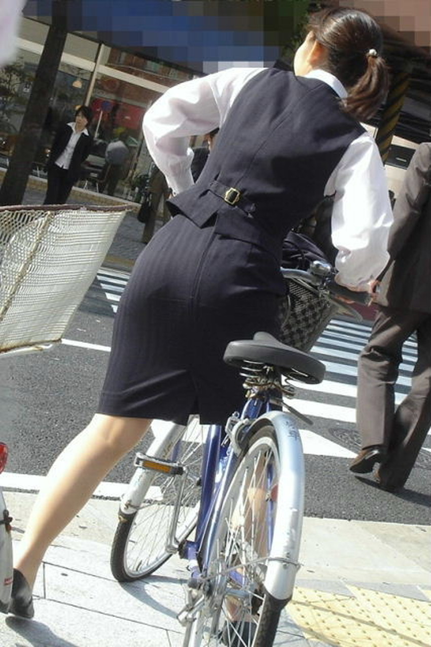 【自転車尻エロ画像】尻肉がサドルに食い込むチャリンコ女子をずっと見送っていられる自転車尻のエロ画像集!ww【80枚】 77
