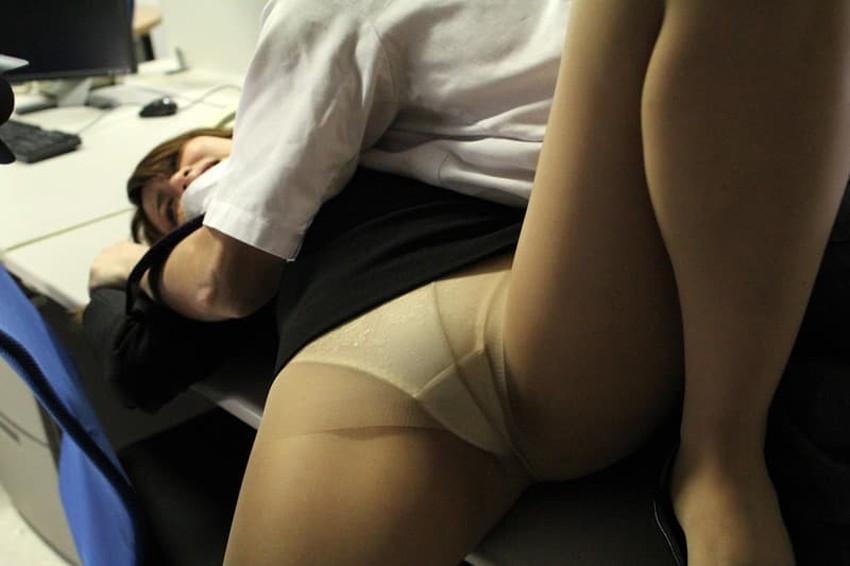 【キャリアウーマンエロ画像】男性を下に見てくる高飛車なキャリアウーマンにパンスト破り!仕事のデキるOLを調教してるキャリアウーマンのエロ画像集!ww【80枚】 35