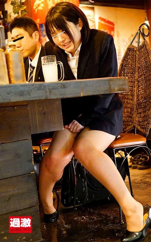 【居酒屋エロ画像】居酒屋で就活打ち上げしてるリクルートスーツJDを寝取ったりほろ酔いOLをナンパしてハメちゃった居酒屋エロ画像集!ww【80枚】 19