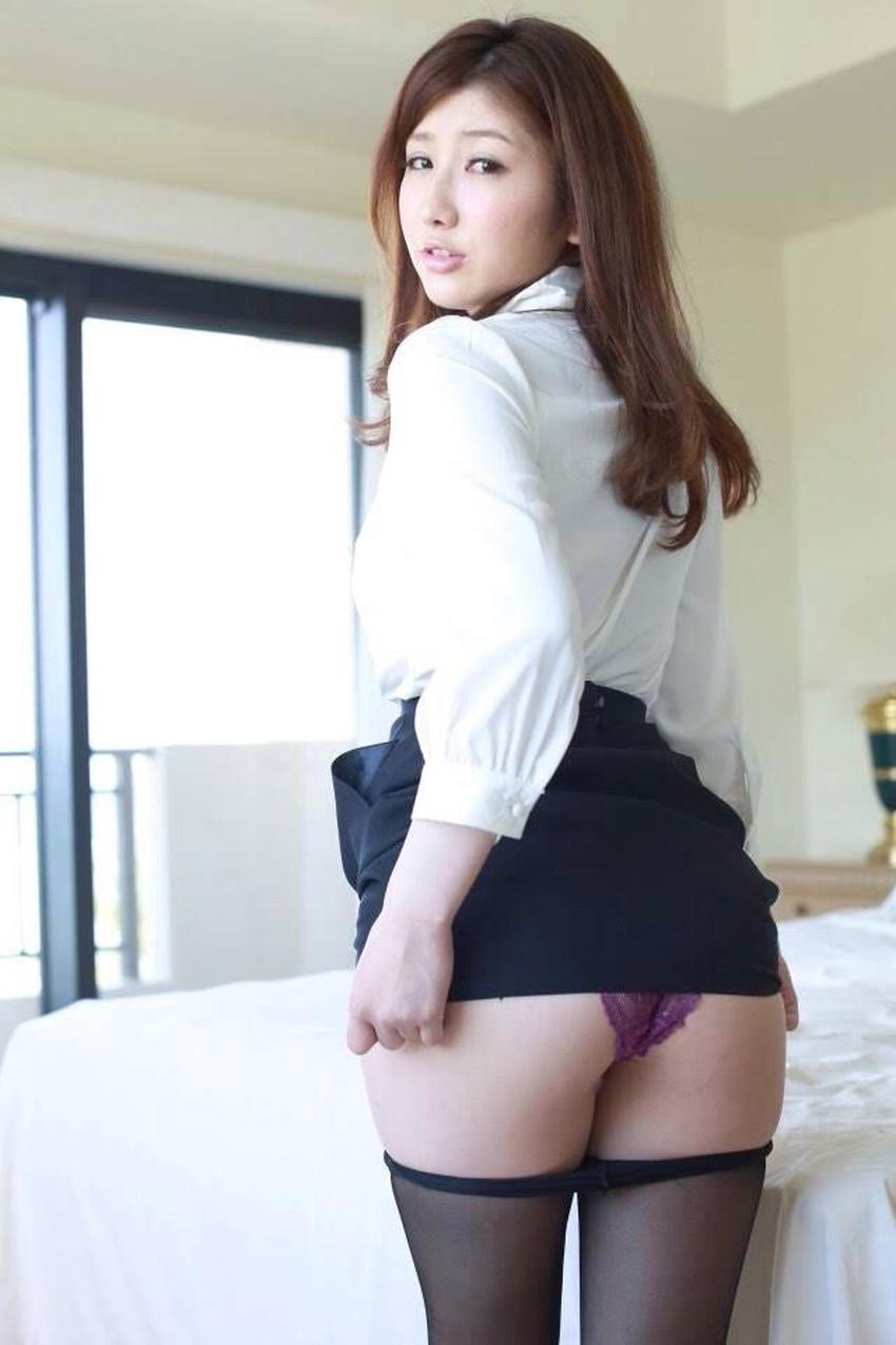 【自発的パンチラエロ画像】女子自らスカートを捲ってパンティーを見せてくれる自発的パンチラのエロ画像集!ww【80枚】 19