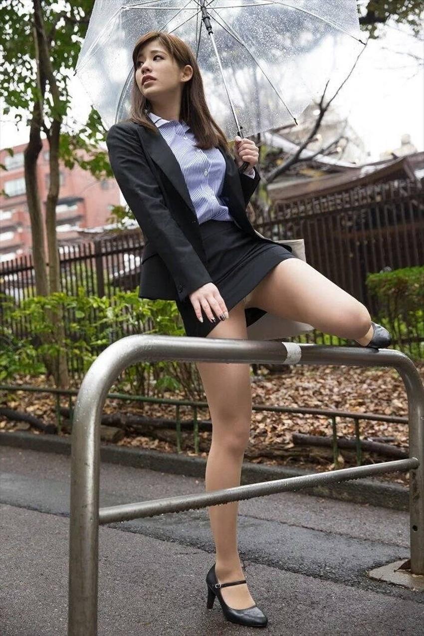 【自発的パンチラエロ画像】女子自らスカートを捲ってパンティーを見せてくれる自発的パンチラのエロ画像集!ww【80枚】 56