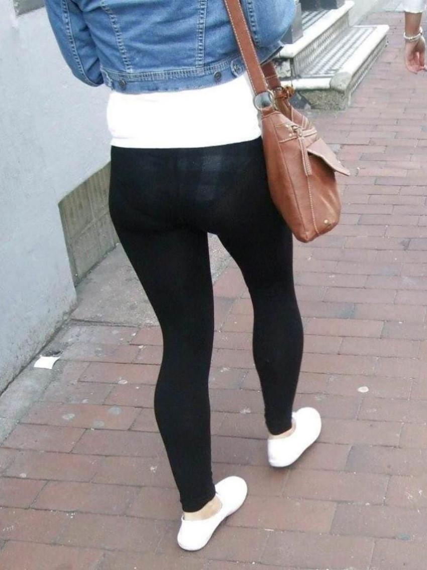 【レギンス女子エロ画像】パンティー透けてパン線丸見えのレギンスを履いて歩いてる無防備過ぎるレギンス女子のエロ画像集ww【80枚】 34