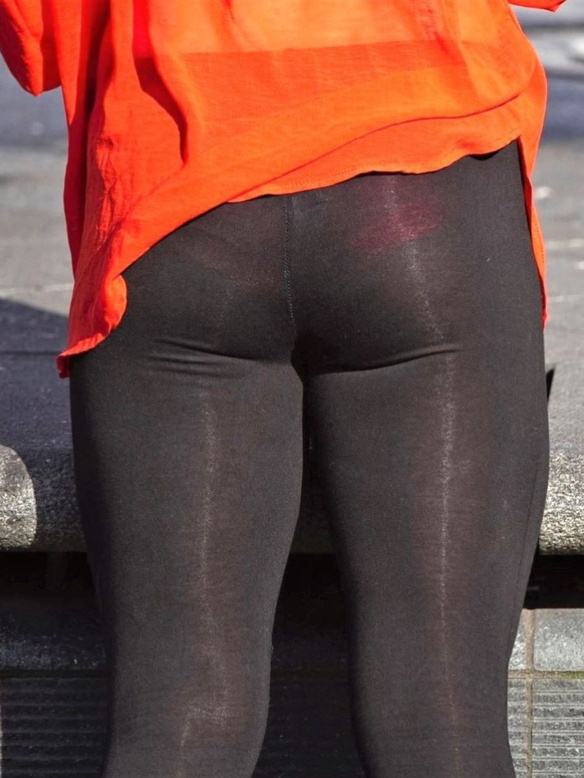 【レギンス女子エロ画像】パンティー透けてパン線丸見えのレギンスを履いて歩いてる無防備過ぎるレギンス女子のエロ画像集ww【80枚】 60