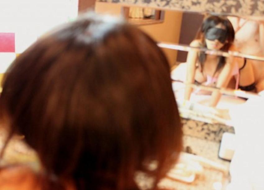【鏡越しセックスエロ画像】鏡におまんこ移してセックスを観察している鏡越しセックスのエロ画像集!ww【80枚】 52