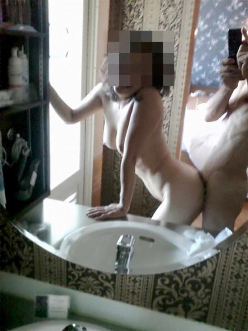 【鏡越しセックスエロ画像】鏡におまんこ移してセックスを観察している鏡越しセックスのエロ画像集!ww【80枚】 57