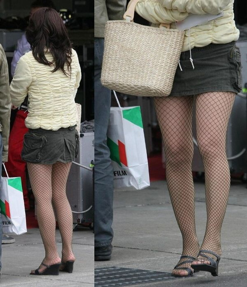 【ミニスカ素人エロ画像】階段やエスカでパンチラ必死のミニスカ履いてる素人ギャルを隠し撮りしたミニスカ素人のエロ画像集!ww【80枚】 59