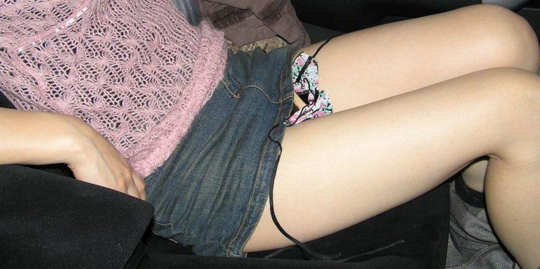 【ドライブデートエロ画像】ドライブデートで彼女やセフレと車内フェラやカーセックスしちゃったドライブデートのエロ画像集!ww【80枚】 24