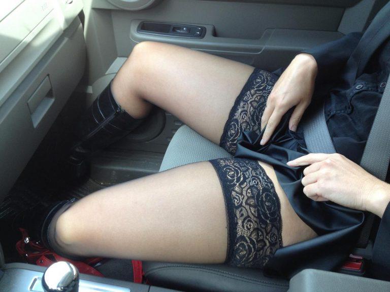 【ドライブデートエロ画像】ドライブデートで彼女やセフレと車内フェラやカーセックスしちゃったドライブデートのエロ画像集!ww【80枚】 35