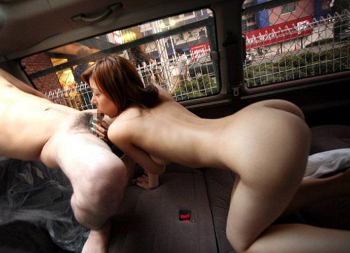 【ドライブデートエロ画像】ドライブデートで彼女やセフレと車内フェラやカーセックスしちゃったドライブデートのエロ画像集!ww【80枚】 77